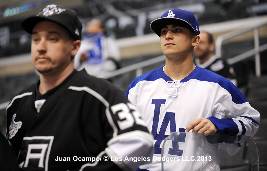 This is a ( Image Gallery la kings dodgers jersey ... aebe47da632