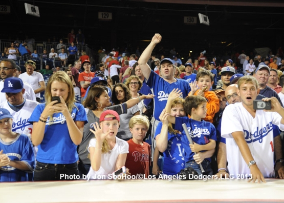 DODGERS AT PHILLIES