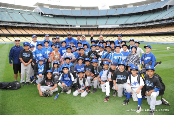 PUIG HOST NORTHEAST LITTLE LEAGUE AT DODGER STADIUM