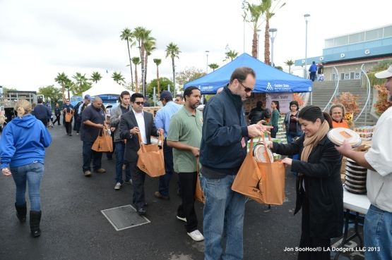 Los Angeles Dodgers Ninth Annual Turkey Giveaway