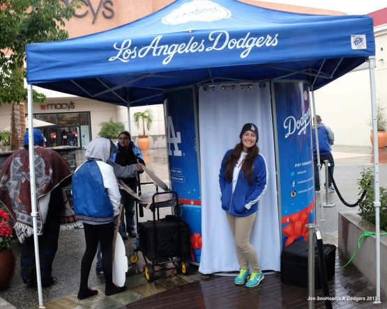 DODGERS MALL TOUR