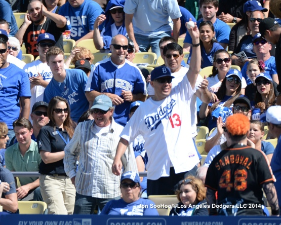 SAN FRANCISCO GIANT AT LOS ANGELES DODGERS