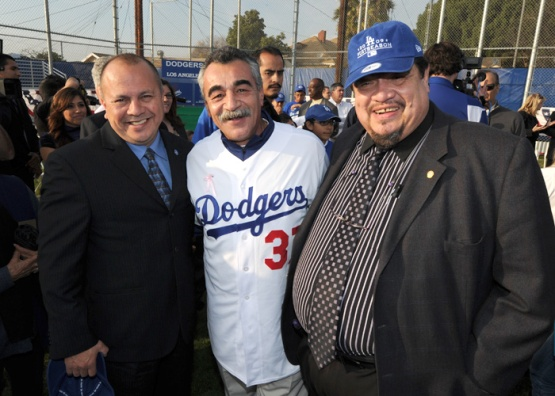 DODGERS CARAVAN TO BOYS AND GIRLS CLUB OF LOS ANGELES