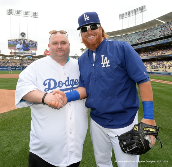 "Sean ""The Dancing Man"" O'Brien and Justin Turner pose for a photo after the ceremonial first pitch. Jill Weisleder/Dodgers"