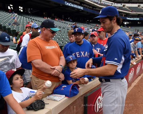 Josh Ravin signs for fans prior to Los Angeles Dodgers  game against the Texas Rangers Tuesday, June 16, 2015 at  Globe Life Park in Arlington Park,Texas. The Rangers beat the Dodgers 3-2.  Photo by Jon SooHoo/© Los Angeles Dodgers,LLC 2015