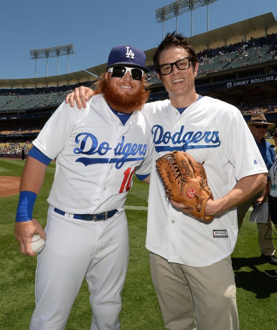 Justin Turner and Johnny Knoxville pose for a photo prior to the game. Jill Weisleder/LA Dodgers