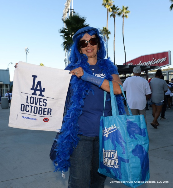 Dodger fans get ready for game 1 of the NLDS against the New York Mets. Jill Weisleder/Dodgers