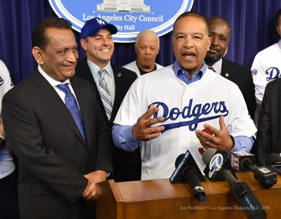 Dave Roberts at City Hall--Los Angeles Dodgers Love LA Tour- Friday, January 29, 2016. Photo by Jon SooHoo/©Los Angeles Dodgers,LLC 2016