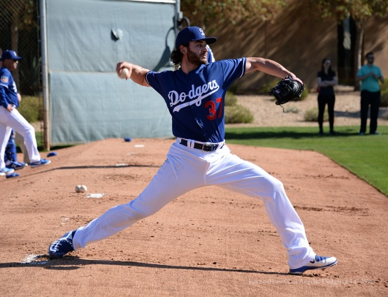 Los Angeles Dodgers Brandon Beachy pitches during pitchers and catchers workout Sunday, February 21, 2016 at Camelback Ranch-Glendale in Phoenix, Arizona. Photo by Jon SooHoo/©Los Angeles Dodgers,LLC 2016