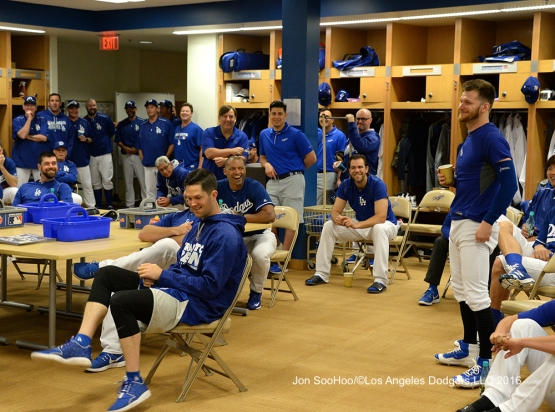 Los Angeles Dodgers J.P Howell speaks to the team prior to workout Wednesday, February 24,2016 at Camelback Ranch-Glendale in Phoenix, Arizona.