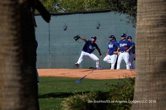 Los Angeles Dodgers Clayton Kershaw throws during workout Wednesday, February 24,2016 at Camelback Ranch-Glendale in Phoenix, Arizona.