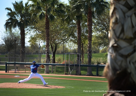 Los Angeles Dodgers Kenley Jansen pitches during workout Saturday, February 27, 2016 at Camelback Ranch-Glendale in Phoenix, Arizona.