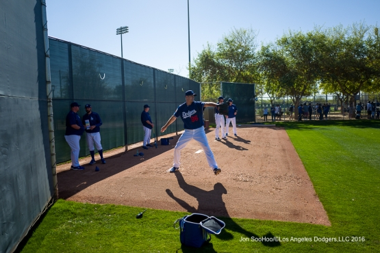 Los Angeles Dodgers Jamey Wright pitches during workout Sunday, February 28, 2016 at Camelback Ranch-Glendale in Phoenix, Arizona.