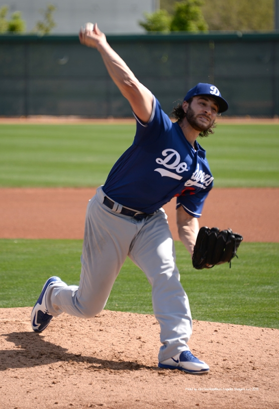 Los Angeles Dodgers Brandon Beachy pitches during workout Wednesday, March 2, 2016 at Camelback Ranch-Glendale in Phoenix, Arizona.