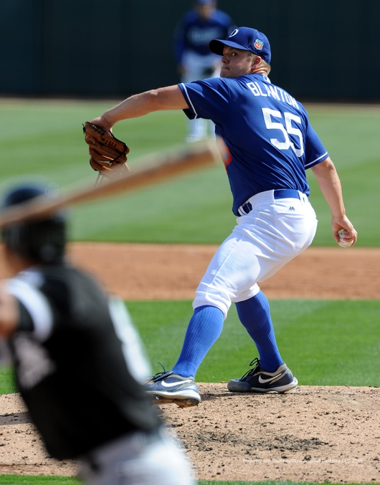 Los Angeles Dodgers Joe Blanton pitches the third inning against the Chicago White Sox Thursday, March 3, 2016 at Camelback Ranch-Glendale in Phoenix, Arizona.