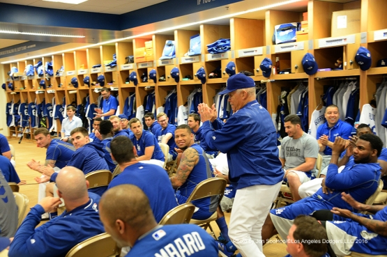 Los Angeles Dodgers Maury Wills addresses the team prior to workout Saturday, March 5, 2016 at Camelback Ranch-Glendale in Phoenix, Arizona.