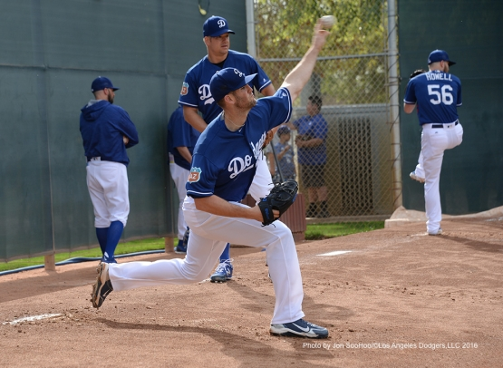Los Angeles Dodgers Alex Wood pitches during workout Saturday, March 5, 2016 at Camelback Ranch-Glendale in Phoenix, Arizona.