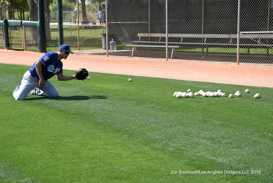 Los Angeles Dodgers Cory Seager fields grounder during workout Sunday, March 20, 2016 at Camelback Ranch-Glendale in Phoenix, Arizona.
