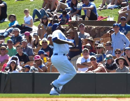 Los Angeles Dodgers Howie Kendrick makes play during game against the San Diego Padres Sunday, March 20, 2016 at Camelback Ranch-Glendale in Phoenix, Arizona.