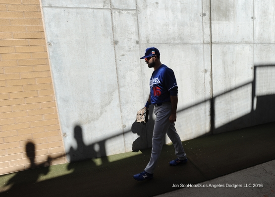 Los Angeles Dodgers Andre Ethier heads to the field prior to game against the Arizona Diamondback Friday, March 18,2016 at Salt River Fields at Talking Stick