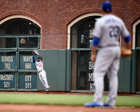 Los Angeles Dodgers Yasiel Puig catches fly ball during game against the San Francisco Giants Saturday, April 9, 2016 at AT&T Park in San Francisco,California. The Dodgers beat the Giants 3-2.