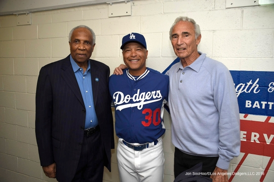 Frank Robinson, Dave Roberts and Sandy Koufax pose prior to Los Angeles Dodgers game against the Arizona Diamondbacks Tuesday, April 12, 2016 at Dodger Stadium.