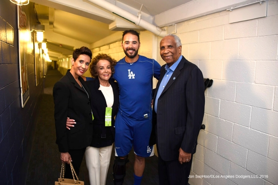 Andre Ethier poses with the Robinson family prior to Los Angeles Dodgers game against the Arizona Diamondbacks Tuesday, April 12, 2016 at Dodger Stadium.