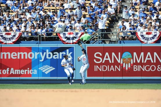 Los Angeles Dodgers Trayce Thompson catches fly ball during game against the Arizona Diamondbacks Tuesday, April 12, 2016 at Dodger Stadium.