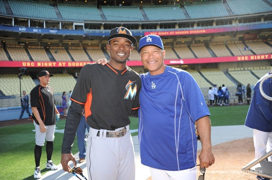 Dee Gordon poses with Dave Roberts prior to game against Miami Marlins Tuesday, April 26, 2016 at Dodger Stadium.