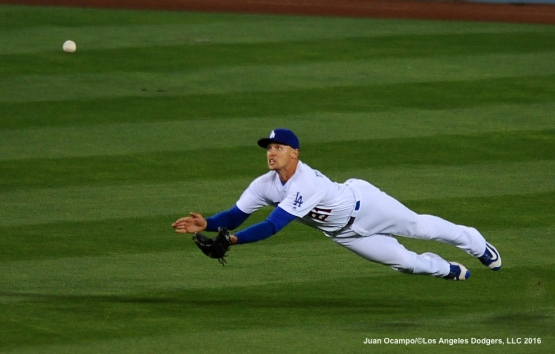 Trayce Thompson makes a diving catch for the out.