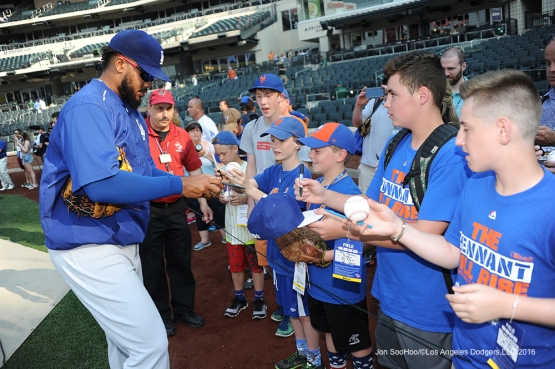 Kenley Jansen signs prior to game against the New York Mets Friday, May 27, 2016 at Citi Field in Flushing,New York.
