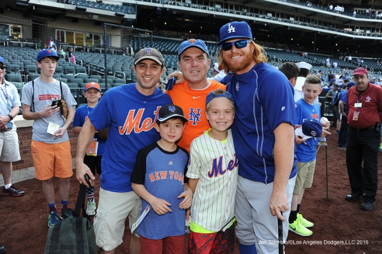 Justin Turner and guests pose prior to game against the New York Mets Friday, May 27, 2016 at Citi Field in Flushing,New York.