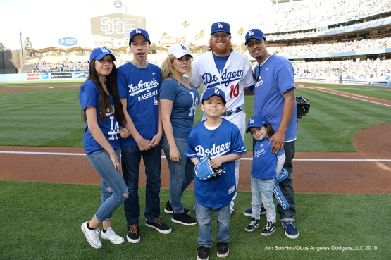 Los Angeles Dodgers Justin Turner poses with Kevin Barron and family prior to game against the San Diego Padres Saturday, April 30,2016 at Dodger Stadium in Los Angeles,California.