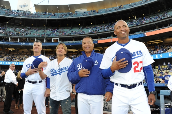 Keith Urban joins the Los Angeles Dodgers national anthem line prior to game against the New York Mets Monday, May 9,2016 at Dodger Stadium in Los Angeles,California.  Jon SooHoo/©Los Angeles Dodgers,LLC 2016