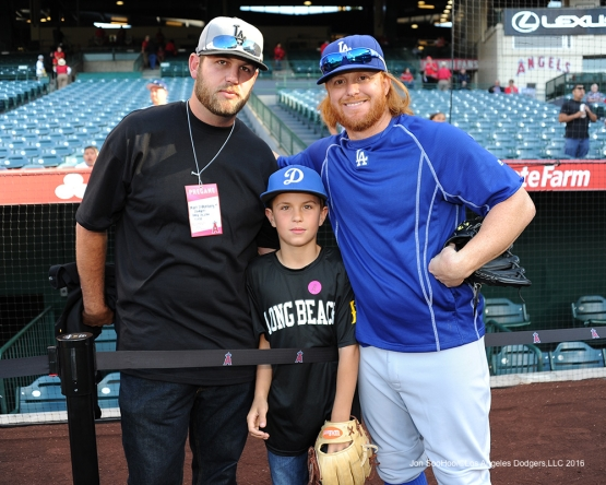 Los Angeles Dodgers Justin Turner poses with guests prior to game against the Los Angeles Angels of Anaheim Wednesday, May 18, 2016 at Angels Stadium in Anaheim, California.  Jon SooHoo/©Los Angeles Dodgers,LLC 2016