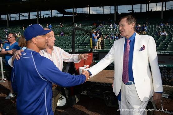 Los Angeles Dodgers Dave Roberts meet Craig Sager before game vs the Chicago Cubs Wednesday, June 1,2016 at Wrigley Field in Chicago,Illinois. Photo by Jon SooHoo/©Los Angeles Dodgers,LLC 2016