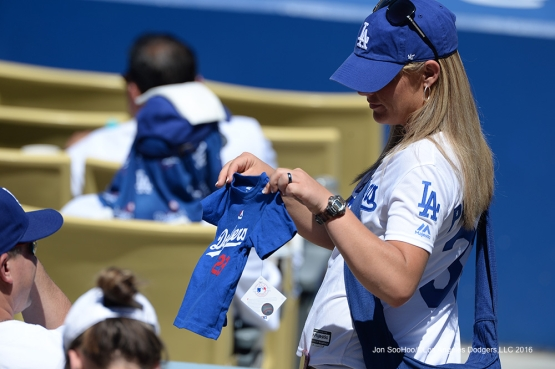 Los Angeles Dodgers during game against the Milwaukee Brewers Sunday, June 19, 2016 at Dodger Stadium. Photo by Jon SooHoo/LA Dodgers
