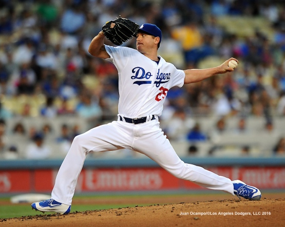 Scott Kazmir started the game against the Nationals.