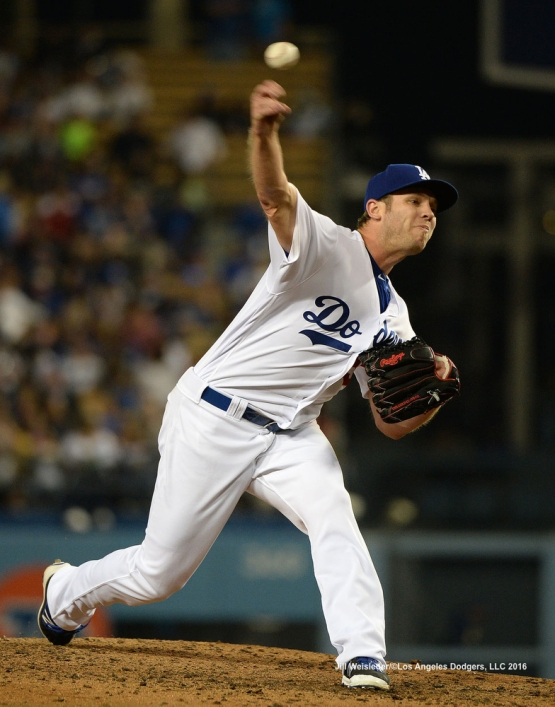 Casey Fien comes in to pitch. Jill Weisleder/Dodgers