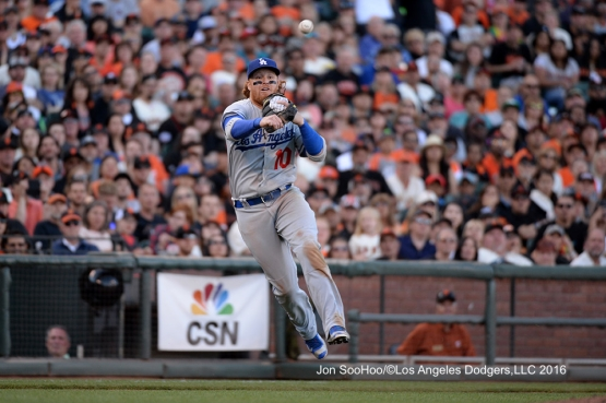 Los Angeles Dodgers Justin Turner makes play against the San Francisco Giants Saturday, June 11, 2016 at AT&T Park in San Francisco, California. Photo by Jon SooHoo/© Los Angeles Dodgers,LLC 2016