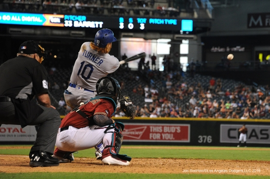 Los Angeles Dodgers Justin Turner knocks in two in the 9th during game against the Arizona Diamondbacks Sunday, July 17, 2016 at Chase Field in Phoenix, Arizona. Photo by Jon SooHoo/©Los Angeles Dodgers,LLC 2016