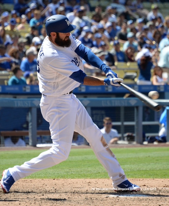 Scott Van Slyke connects for a single. Jill Weisleder/LA Dodgers