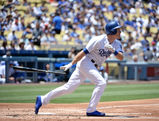Chase Utley watches his ball take flight. Jill Weisleder/Dodgers