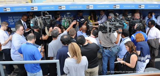 Media scrum prior to Los Angeles Dodgers game against the San Francisco Giants Monday, September 19, 2016 at Dodger Stadium. Photo by Jon SooHoo/©Los Angeles Dodgers,LLC 2016