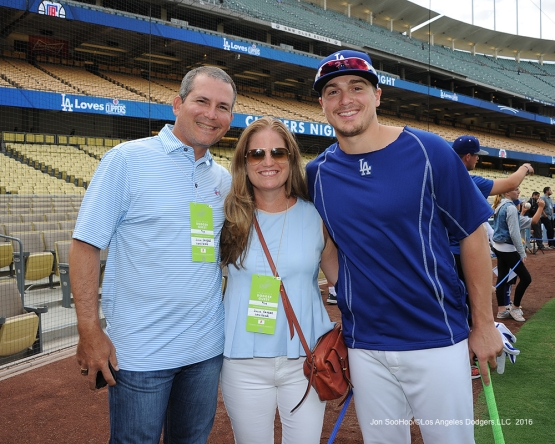 Great Los Angeles Dodger fans pose with Kike Hernandez prior to game against the San Francisco Giants Monday, September 19, 2016 at Dodger Stadium. Photo by Jon SooHoo/©Los Angeles Dodgers,LLC 2016