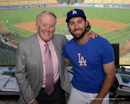 Vin Scully with Charlie Culberson Thursday, September 22, 2016 at Dodger Stadium. Photo by Jon SooHoo/©Los Angeles Dodgers,LLC 2016