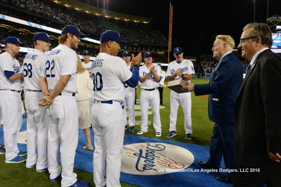 The Dodgers honor Vin Scully as he walks the blue carpet. Jill Weisleder/Dodgers