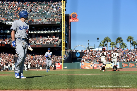 Los Angeles Dodgers lose to the San Francisco Giants 3-0 Saturday, October 1, 2016 at AT&T Park. Photo by Jon SooHoo/©Los Angeles Dodgers,LLC 2016