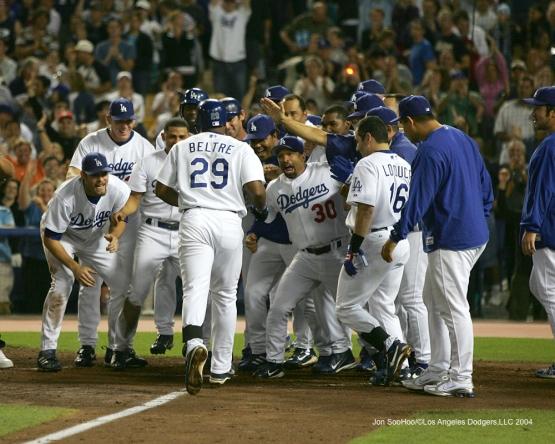 7/22/04-LOS ANGELES,CA- San Diego Padres vs Los Angeles Dodgers at Dodger Stadium in Los Angeles,California. JON SOOHOO
